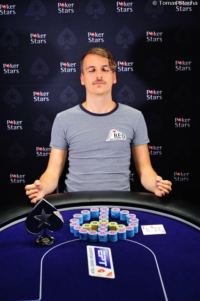 Фил Груссем выиграл побочный турнир за €5,000