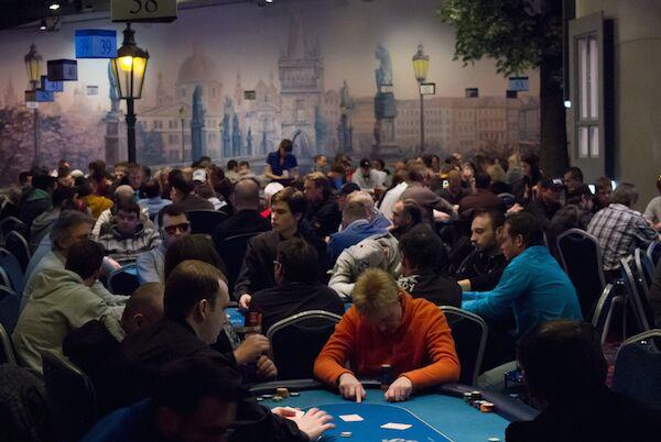 Покерный турнир в казино Kings