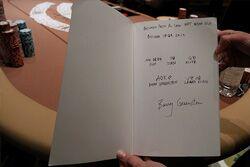 Барри Гринстайн подписал книгу для Лорен Клинг